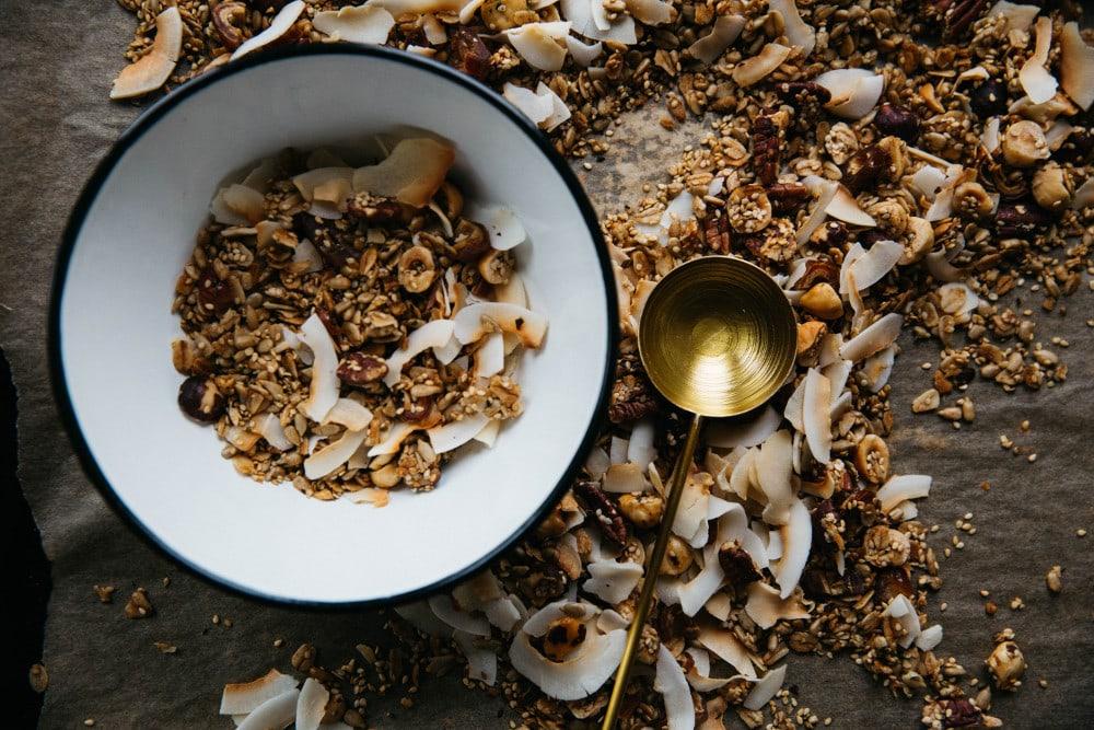 Haferflocken, Kokosnuss und Nüsse