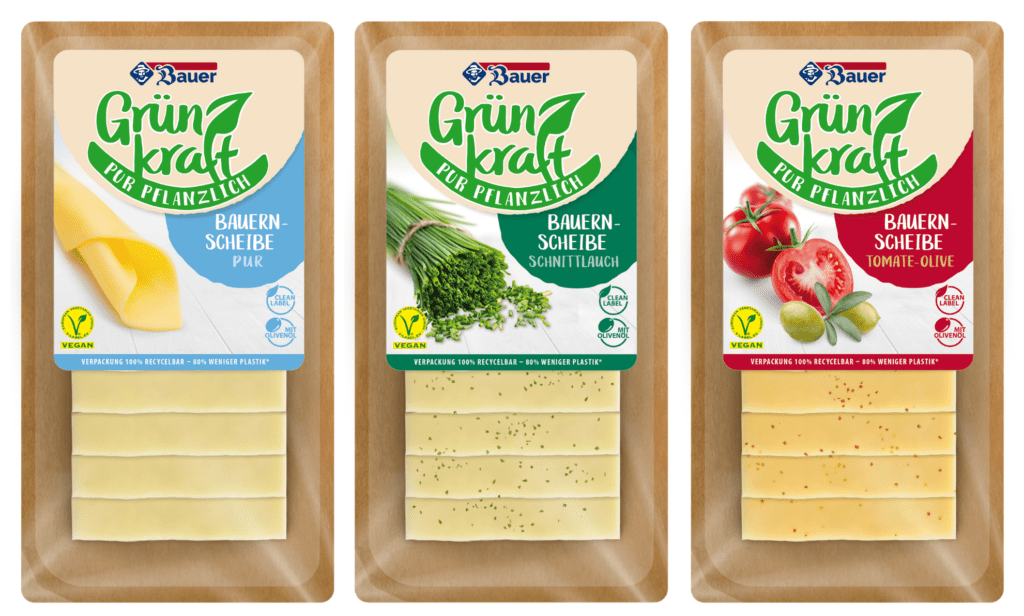 Produktfotos der veganen Produkte von Grünkraft: Pflanzlicher Scheibenkäse in den drei GEschmacksrichtungen Pur, Schnittlauch und Tomate-Olive